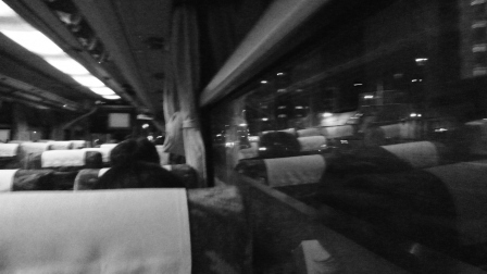 バスの中BW.JPG