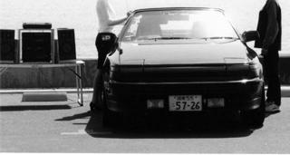 渚の車BW.jpg