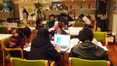 食堂で会議.JPG