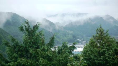 山と霧.JPG