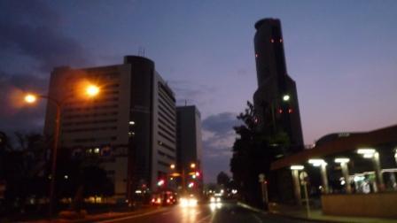 早朝のアクトタワー.JPG